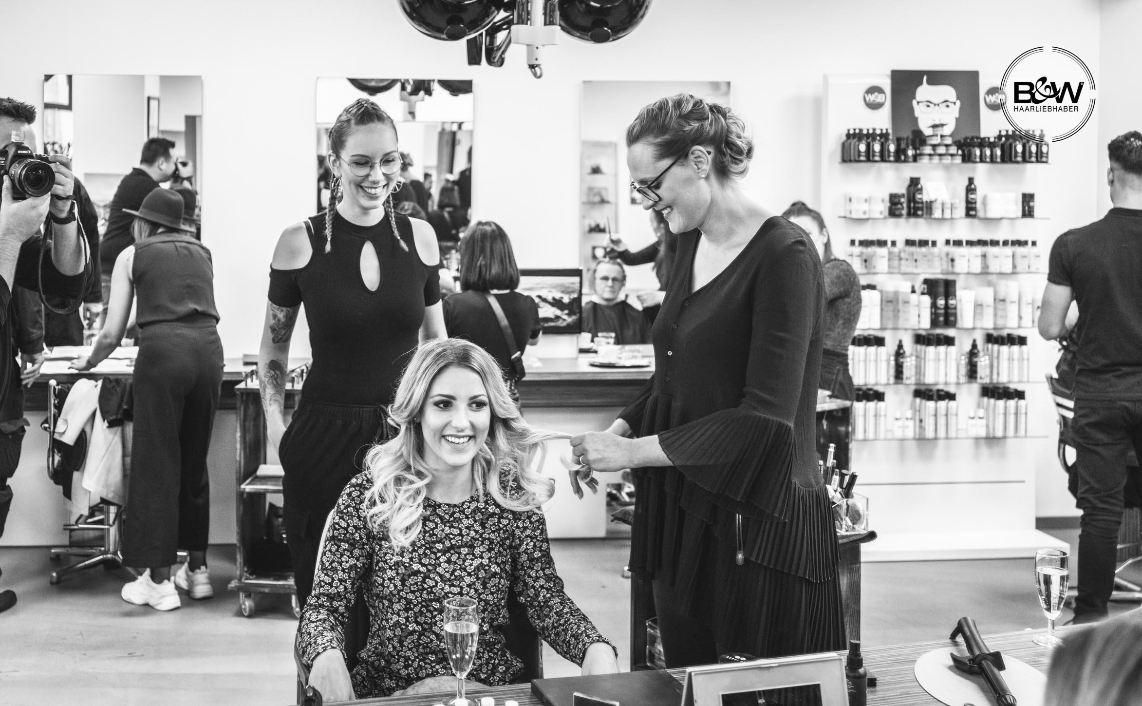 25_B&W-Friseure_Haarliebhaber_Friseur-Dortmund_Kosmetikprodukt_beste-Haarpflege_bester-Friseur_Malvins_at-malvins_Haar_styling_Deutschland_haarliebhaber