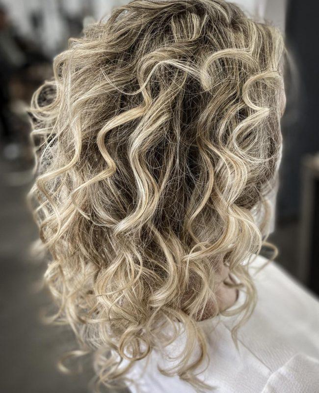 33_B&W-Friseure_Haarliebhaber_Friseur-Dortmund_Kosmetikprodukt_beste-Haarpflege_Haar_styling_Deutschland