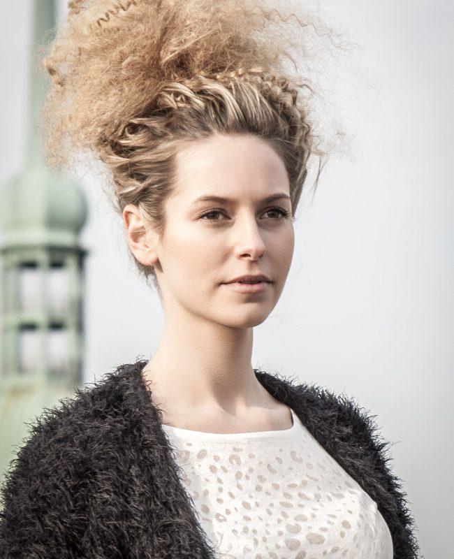 80_B&W-Friseure_Haarliebhaber_Friseur-Dortmund_Kosmetikprodukt_beste-Haarpflege_Haar_styling_Deutschland